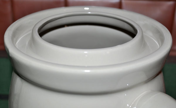 Water Well for Lid Seal on Rumtopf Pots